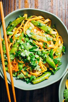 This spicy vegan pad thai is way better than takeout - made with whole food ingredients, and a breeze to throw together! This spicy vegan pad thai is way better than takeout - made with whole food ingredients, and a breeze to throw together! Vegan Foods, Vegan Dishes, Thai Dishes, Paleo Vegan, Vegan Butter, Raw Food, Vegan Life, Whole Food Recipes, Vegan Recipes