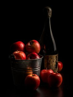 Juha Kauppila took this awesome photo that has still life photography, still life, fruit, painting in it Dark Food Photography, Still Life Photography, Low Key Photography, Foto Still, Still Life Fruit, Still Life Photos, In Vino Veritas, Fruit Art, Fruits And Veggies