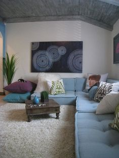 Perfect setup for chillaxin' tweens & teens. Room design by Wow Great Place. Similar seating: Pottery Barn Kids.