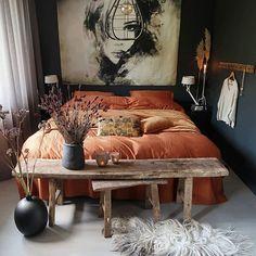 Luxe beddengoed gaat samen met heerlijk slapen duvet cover in a nice brown color. Dream Bedroom, Home Decor Bedroom, Dark Home Decor, Twin Xl Bedding, My New Room, Luxury Bedding, Home And Living, Dark Living Rooms, Interior Design