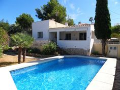 Welcome to Andalucia Country Houses, a family owned Estate Agency based in Jimena de la Frontera , Costa del Sol, Andalucia, #Spain. Since the late 1990's we have been selling country properties and traditional village houses in some of the most beautiful areas of inland #Andalusia, to clients from all over the world.