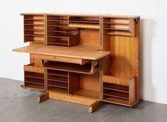 Meuble Desk in a Box de Mummenthaler & Meier, 1950s en vente sur Pamono Armoire, Cabinets For Sale, Magic Box, Smart Design, Vintage Design, Desk Chair, Storage Cabinets, Filing Cabinet, 1950s