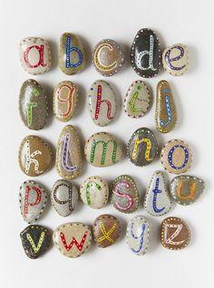 Coole Idee - so lernen die Kids gleich das Alphabet beim malen! :)