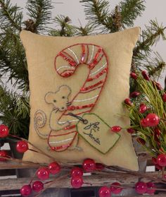 Christmas MOUSE Stitchery E PATTERN primitive PDF pillow candy cane pinkeep tag pin cushion tuck embroidery Vintage Embroidery, Cross Stitch Embroidery, Embroidery Patterns, Hand Embroidery, Cross Stitch Patterns, Stitching Patterns, Cushion Embroidery, Embroidery Hoops, Merry Christmas