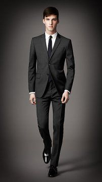 A good example of how a suit should fit…