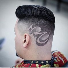 Saw this on @barbersinctv Go check em Out  Check Out @RogThaBarber100x for 57 Ways to Build a Strong Barber Clientele!  #barbershopconnection #barberhood #barbersupply #FemaleBarbers #labarbers #scottishbarber #barbertools #barberingislife #masterbarbers #CaliBarber #signaturebarberingpro #Elitebarbercartel #americanbarbershop #londonschoolofbarbering #irishbarber #MajorBarbers #barbersonlymagazine #barberfade #rhabarber #supportyourlocalbarber #newworldbarbers #classicbarber…