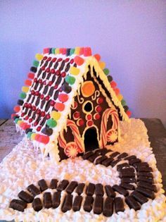 Really cool gingerbread house, I like the walkway on this it's cute