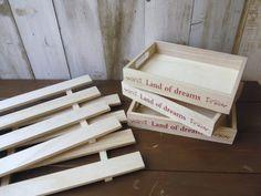 クギ必要なし!超初心者でも出来る「100均すのこ棚」の作りかた   Sumai 日刊住まい Texture, Wood, Crafts, Home Decor, Diy And Crafts, Surface Finish, Manualidades, Decoration Home, Woodwind Instrument