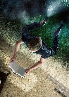 Buchhandlung Stories! wirbt mit zweiköpfigem Leser