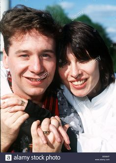 Stock Photo - Lead singer of the pop group Simple Minds Jim Kerr with wife singer Chrissie Hynde in 1984 Jim Kerr, Chrissie Hynde, Heavy Metal, The Pretenders, Tears For Fears, Simple Minds, Pop Group, Rock Bands, The Cure