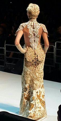 anne avantie#merenda kasih#fashion show 2014#fabulous