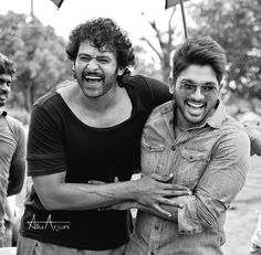 Two awesome stars. Prabhas and Allu Arjun Dj Movie, Movie Photo, Actor Picture, Actor Photo, Bollywood Cinema, Bollywood Actors, Travis Fimmel, Darling Movie, Allu Arjun Hairstyle