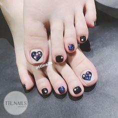Ideas For Pedicure Decorado Pies Toenails Pretty Toe Nails, Cute Toe Nails, Gorgeous Nails, Love Nails, Fall Nail Art Designs, Toe Nail Designs, Pedicure Nail Art, Toe Nail Art, Ambre Nails