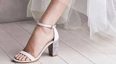 Fantasy Fashion Design: Stuart Weitzman presenta zapatos de novia para la campaña de primavera-verano 2017