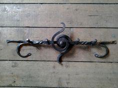 Porte-manteau forgé / forged coat rack