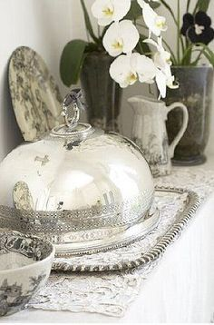 Love the combination of sterling and black and white transferware.