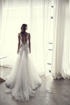 Angel Wing Back Wedding Dress | Riki Dalal 2017 NOYA Bridal Collection | ElegantWedding.ca