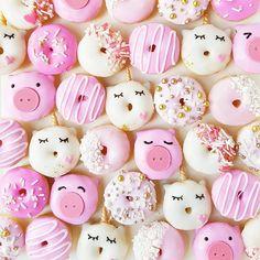 Little yawning unicorns & piggy donuts by Vickie Liu  (@vickiee_yo)