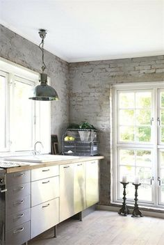 Industrial chic by guida. Grey brick with white Kitchen Interior, New Kitchen, Kitchen Ideas, Kitchen Retro, Kitchen Rustic, Inspiration Wall, Interior Inspiration, Kitchen Inspiration, Urban Farmhouse