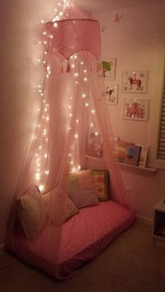 Reading corner, repurposed crib mattress, small spaces playroom - Crafts Diy Home Diy Canopy, Canopy Tent, Canopy Curtains, Backyard Canopy, Canopy Outdoor, Canopies, Window Canopy, Garden Canopy, Fabric Canopy
