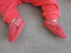 DIY Baby moccasin tutorial & pattern