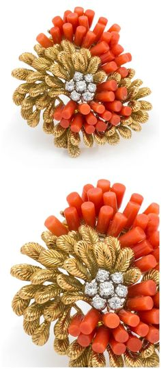 Vintage Costumes A fabulous brooch by Van Cleef and Arpels, Paris, with coral and diamonds in yellow gold - One of my favorite auction houses, Leslie Hindman auctioneers, has just released the catalog for their April jewelry sale! Let's take a look. Aquamarine Jewelry, Coral Jewelry, Coral Earrings, Stud Earrings, Diamond Solitaire Earrings, Diamond Brooch, Vintage Fur, Vintage Brooches, Van Cleef And Arpels Jewelry