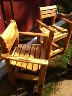 Recycled Pallet Furniture Continues