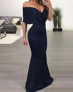 Shop Off Shoulder V Neck Slinky Maxi Dress – Discover sexy women fashion at IVRose Maxi Dress With Slit, Dress Up, Bridesmaid Dresses, Prom Dresses, Formal Dresses, Elegant Dresses, Ideias Fashion, Ball Gowns, Evening Dresses