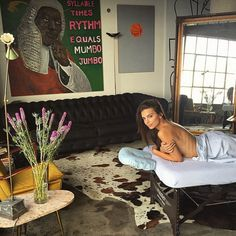 Inside Emily Ratajkowski's incredible LA flat where she takes all her naked pics Emily Ratajkowski Apartment, Emily Ratajkowski House, My New Room, My Room, Room Inspiration, Interior Inspiration, Deco Studio, Interior And Exterior, Interior Design
