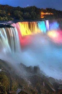 Niagra Falls at night.