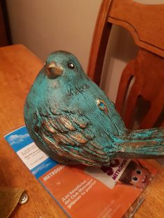 Best 11 Roses and Rust: Monday Musings – Tantalizing Turquoise – SkillOfKing. Clay Birds, Ceramic Birds, Ceramic Animals, Ceramic Pottery, Ceramic Art, Paper Mache Sculpture, Sculpture Projects, Pottery Sculpture, Paper Clay