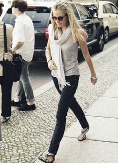 Sienna Miller street style