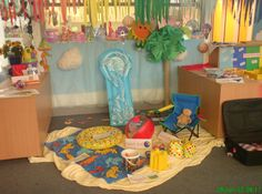 Ocean and seaside role-play classroom displays photo gallery Dramatic Play Themes, Dramatic Play Area, Nursery Activities, Preschool Activities, Beach Activities, School Displays, Classroom Displays, Sharing A Shell, Play Corner