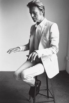 Bowie and his air piano.