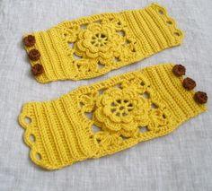 Crochet Wrist Warmers Crochet Cuffs Floral por MariaKonstantin