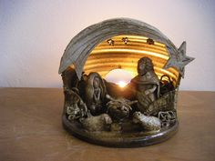 Betlém Betlém na čajovou svíčku. Výška 16 cm, šířka 16 cm.