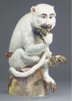 A large Meissen porcelain group of a seated monkey eating grapes - CIRCA Fine Porcelain, Porcelain Ceramics, Painted Porcelain, Year Of The Monkey, Painted Books, Animal Projects, China Painting, Barbie Collector, Lion Sculpture