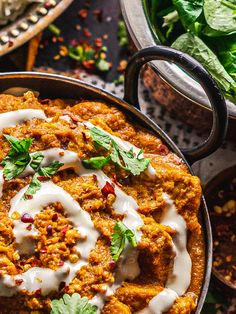 Vegan Naan, Vegan Vegetarian, Vegetarian Recipes, Vegan Butter Chicken, Meat Substitutes, Tomato Sauce, Food Inspiration, Dinners