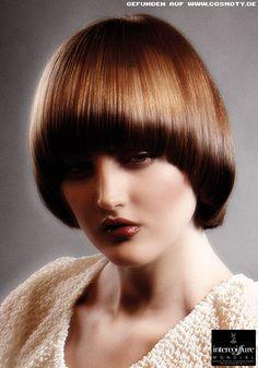 Frisuren Bilder Rund Geschnittener Bob In Kupferbraun Frisuren Haare Pilz Frisur Styling Kurzes Haar Pagenschnitt