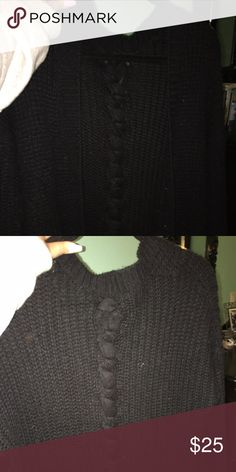 URBAN OUTFITTERS SWEATER Urban Outfitters Black Sweater w Braid Size M Urban Outfitters Sweaters Cardigans