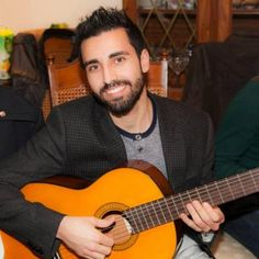 This group has been providing acoustic guitar lessons for beginners for more than 9 years. They have attained many well-rated reviews from satisfied clients.