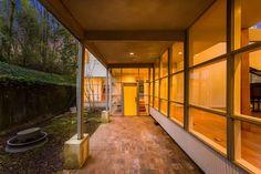 1940 modernism: Bauhaus-inspired property in Atlanta, Georgia, USA