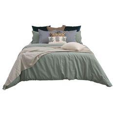 Bedroom Bed Design, Bedroom Decor, Muji Bed, Bedclothes, Bed Linen Sets, Dorm Room, Living Room Designs, Bedding Sets, Thai Art