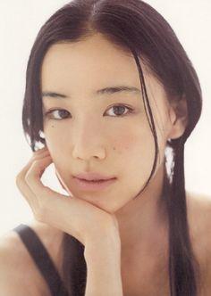 蒼井優のメイクの方法を学ぶ!すっぴんの理由にも注目してみた ... 蒼井優 メイク Yu Aoi, Artistic Portrait Photography, Headshot Poses, Beautiful Japanese Girl, Model Face, Cute Beauty, Star Fashion, Asian Beauty, Cute Girls