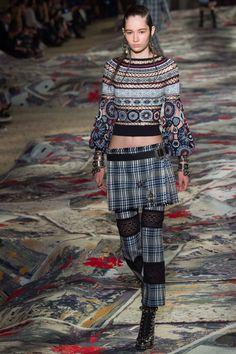 Alexander McQueen - Spring 2017 Ready-to-Wear