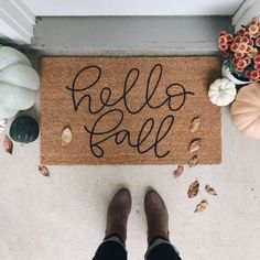 Ready to fix up your front porch with a new fall doormat? We've got you covered with the utlimate fall doormat round up!