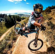 Learning to ride a bike is no big deal. Learning the best ways to keep your bike from breaking down can be just as simple. Downhill Bike, Bike Run, Road Bikes, Cycling Bikes, Cycling Equipment, Road Cycling, Mountain Bicycle, Mountain Biking, Mountian Bike