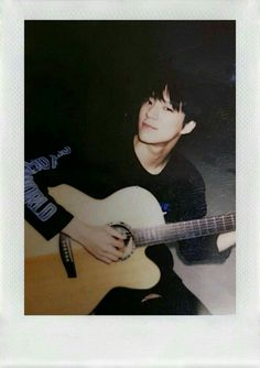 Jeno ll Nct Nct 127, Jeno Nct, K Wallpaper, Dream Chaser, Na Jaemin, Fandoms, Playing Guitar, Boyfriend Material, Taeyong