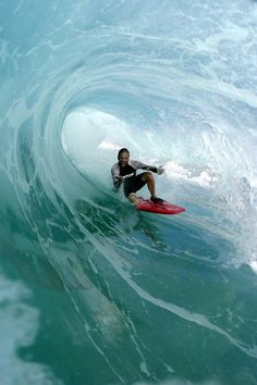Surfing holidays is a surfing vlog with instructional surf videos, fails and big waves No Wave, Surf Mar, Sup Surf, Kitesurfing, Big Waves, Ocean Waves, Sup Yoga, Water Photography, Photography Photos