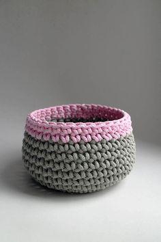 Šedá ružová svetlá | BOBBINY Instagram Bio, Decorative Bowls, Make It Yourself, Crochet, How To Make, Handmade, Home Decor, Ideas, Tejidos